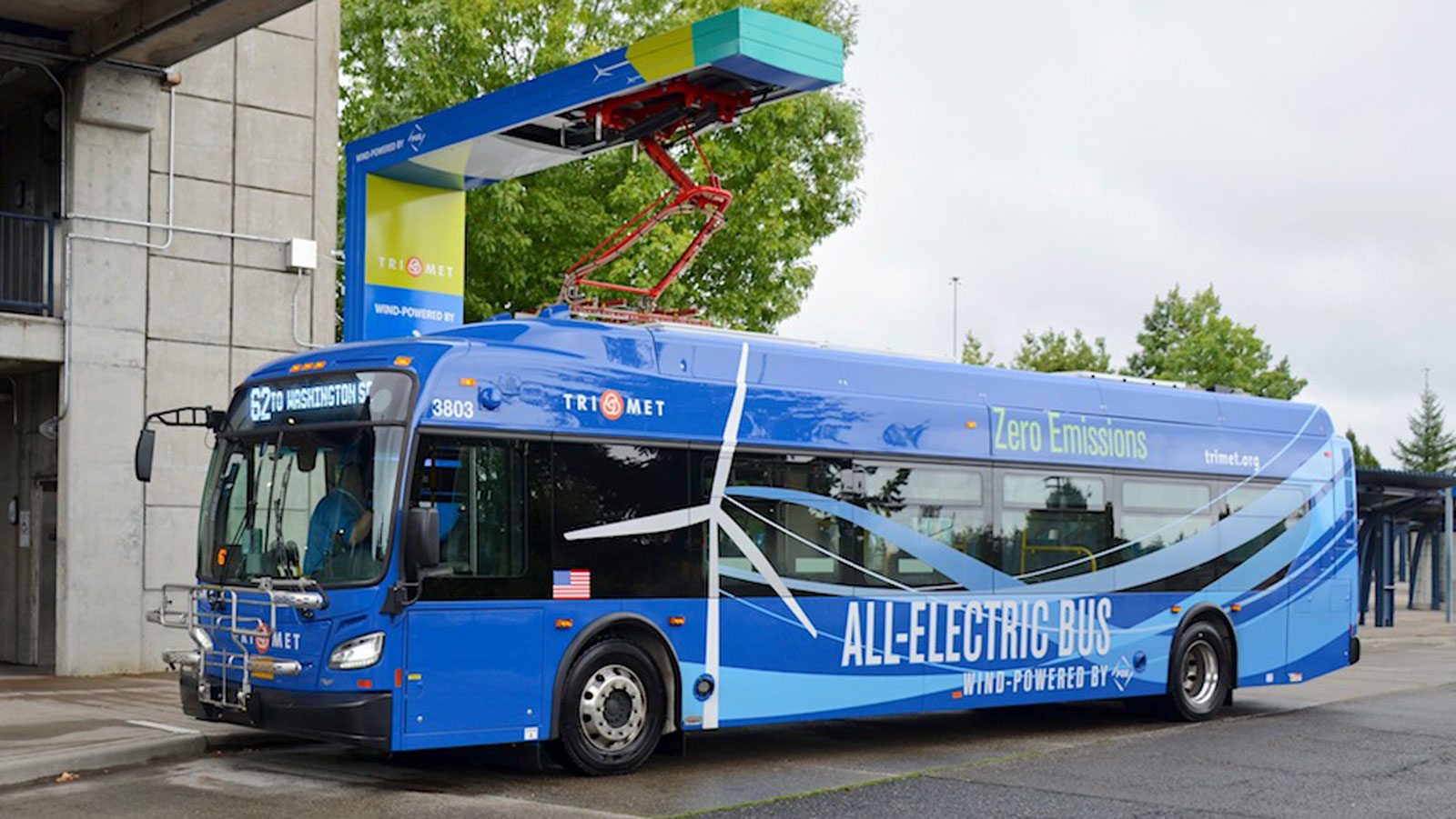 <h4>Electric Buses for America</h4><p>Electric buses don't emit any tailpipe pollution, eliminating exhaust that is contributing to climate change and linked to asthma attacks, respiratory illness and cancer.</p>